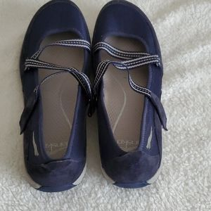 DANSKO blue & gray comfort walking shoes